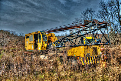 Crane, White Oak Construction Corp., CT    decaying in Berlin, NY  #819
