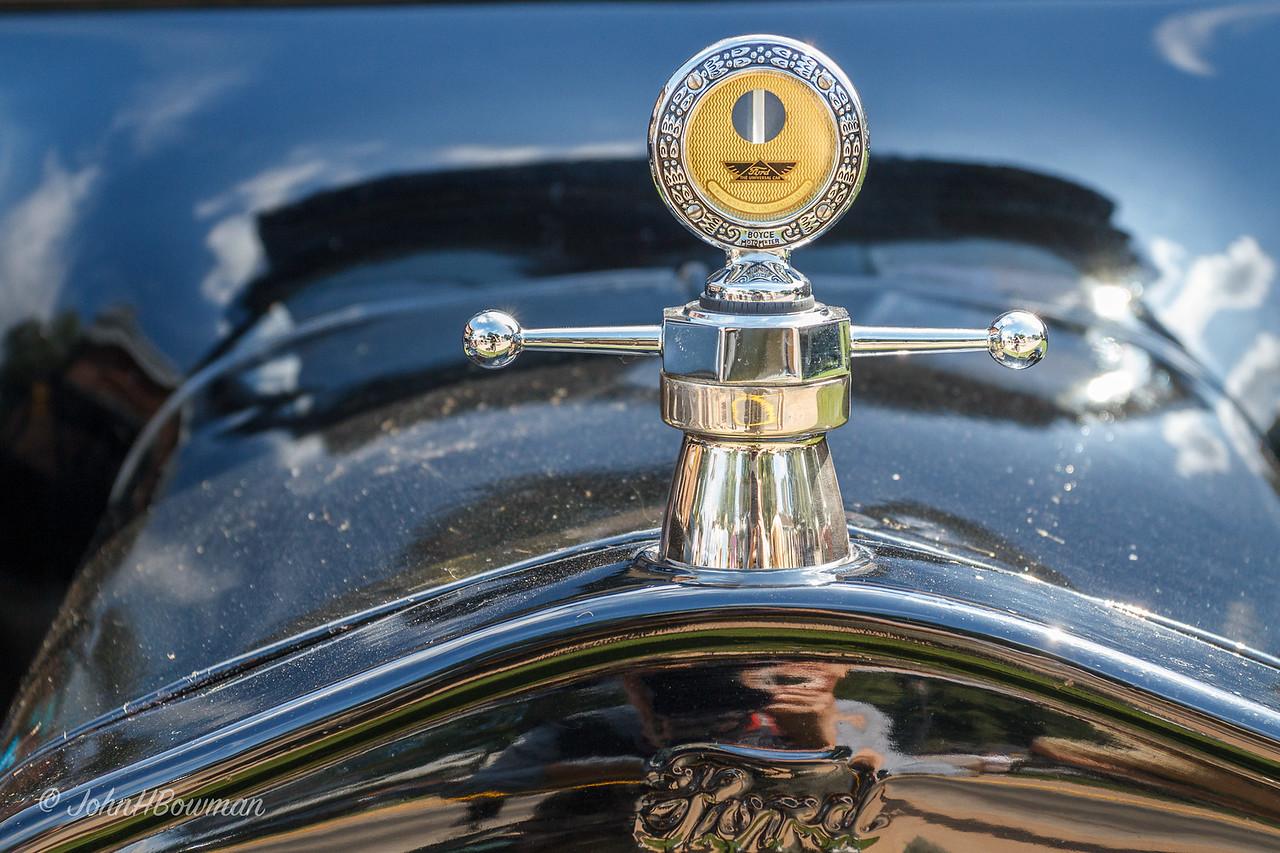 Boyce Moto-Meter Radiator Cap - on 1921 Ford Model T