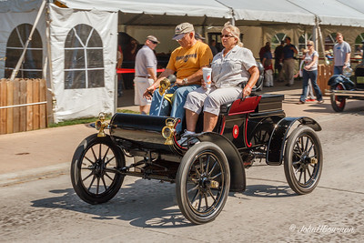 1905 Oldsmobile - on parade