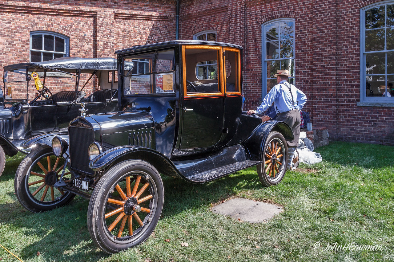 1921 Ford Model T Coupe