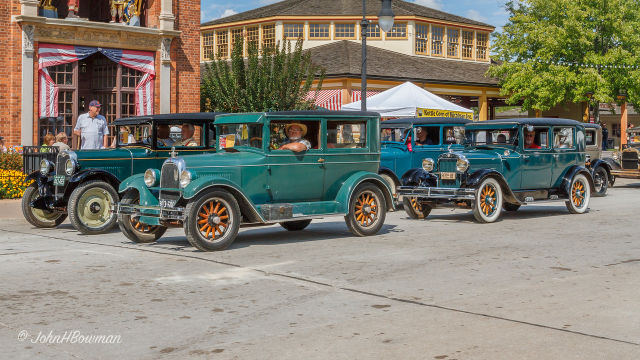 1928 Cars on Parade - Whippet & Essex in Closest Row