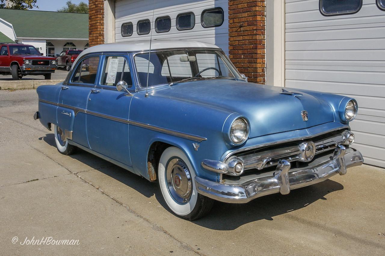 1954 Ford Crestline Sedan