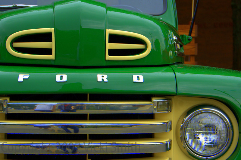 This Ford F4 was love at first sight!