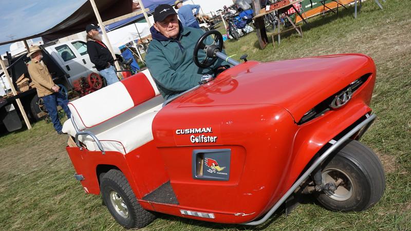 Cushman Golfster