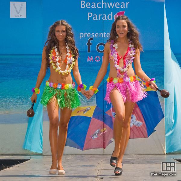 Beachwear parade, by Fox Models