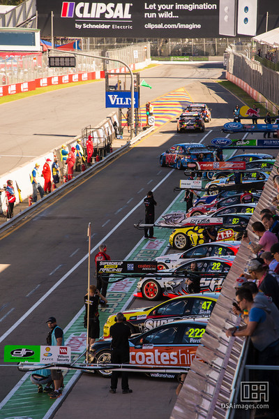 V8 Supercars head out