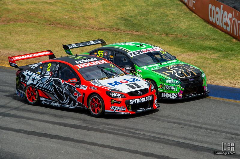 Garth Tander (Holden Racing Team) and David Reynolds (Bottle-O Racing)