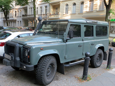 Berlin Land Rover Defender