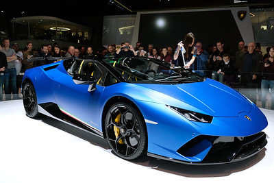 Lambroghini Huracan Performante Spyder 01