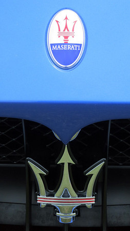 Maserati grill logo