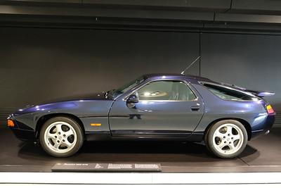 Porsche Museum 928 GTS