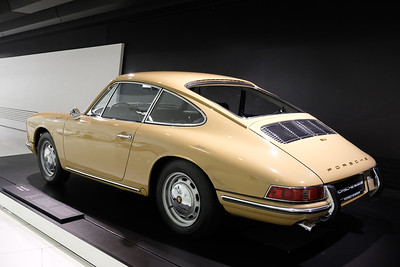 Porsche Museum 911 02
