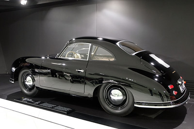 Porsche Museum 356