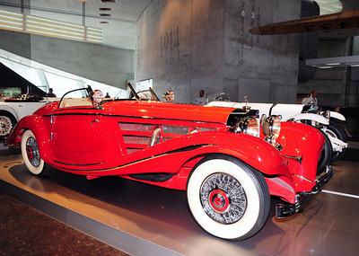 Mercedes museum 06