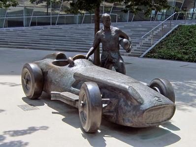 Mercedes museum 15