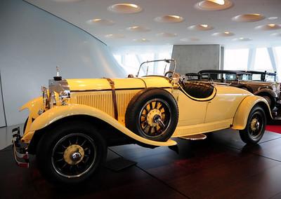 Mercedes museum 10