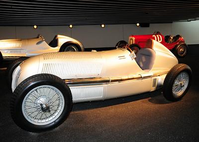 Mercedes museum 20