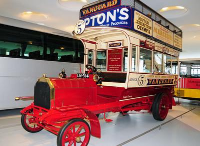 Mercedes museum 05