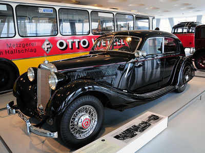 Mercedes museum 04