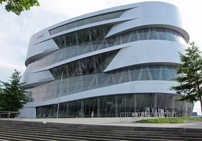 Mercedes museum 18