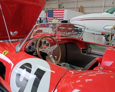 Hangar Ferrari 250 replica 02