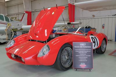 Hangar Ferrari 250 replica