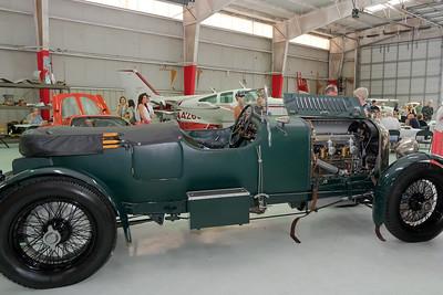 Hangar 1920s Vintage Bentley 02