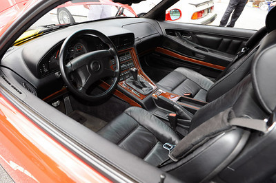 BMW 850 CSi interior