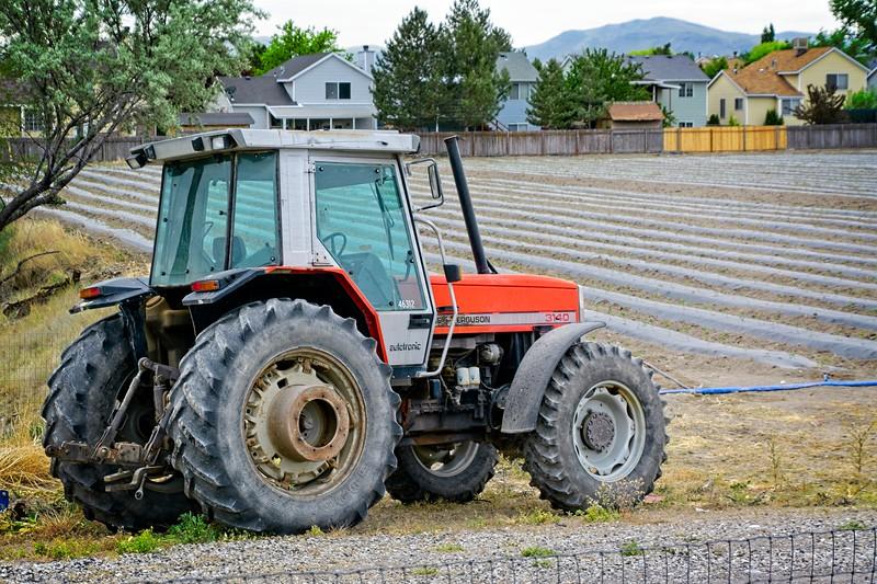 SRf2005_2217_Tractor