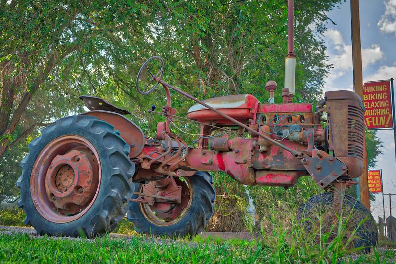 SRd1709_3267_Tractor_Aurora2017_HDR