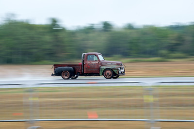 Motorsport, drag strip, and fast car photography by  Lindy Martin.