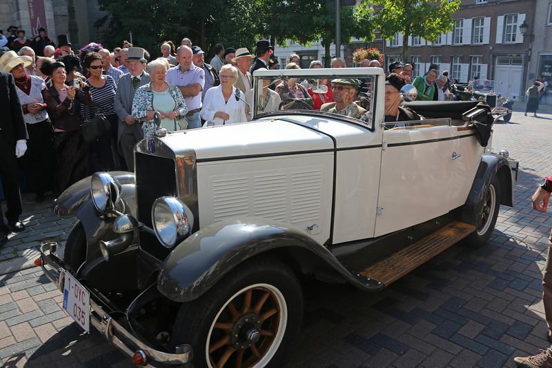 """Oldtimers tijdens de """"Viering 100 Jaar Internationale Vliegweek"""" in Temse<br /> Zondag 16 september 2012"""