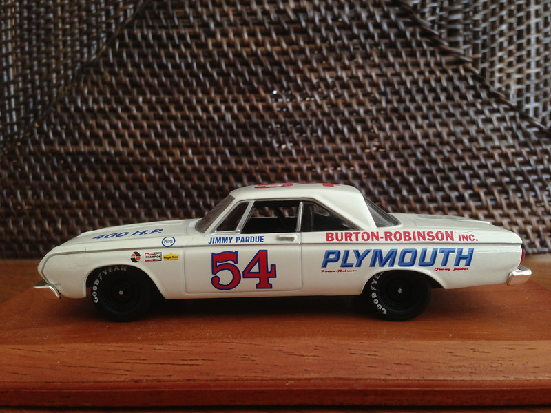 Plymouth Belvedere No. 54<br /> 2sd-500 Miles Daytona 1964<br /> Driver: Jimmy Pardue<br /> Universal Hobbies Eagles Race