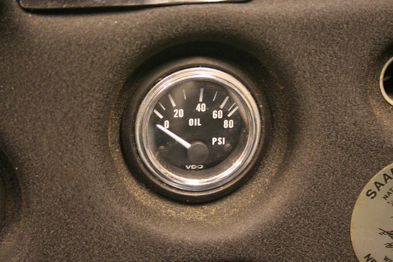 Oil pressure gauge (in the clock spot)