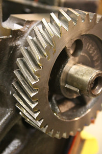 the undamaged (but moderately pitted) balance shaft gear
