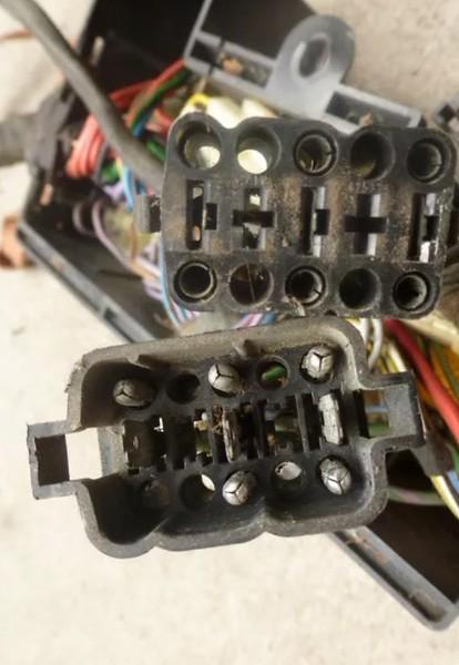 Original E21 2.3 engine wiring.