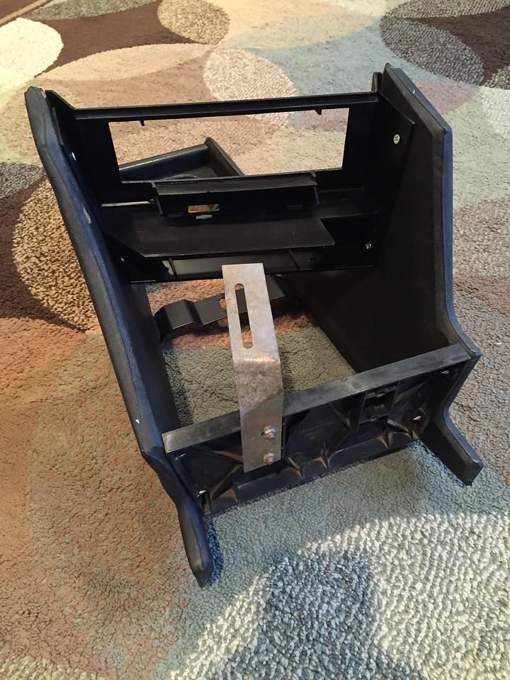 E21 non AC center console, back view