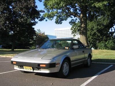 1985 MR2