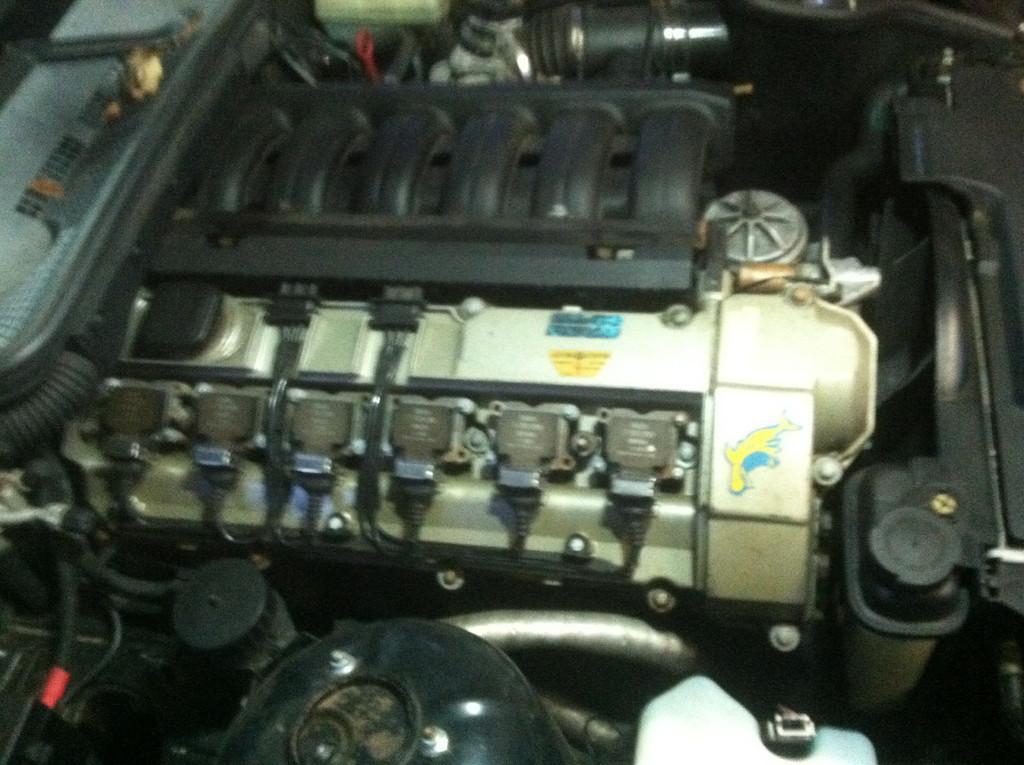 Original M50 valve cover.