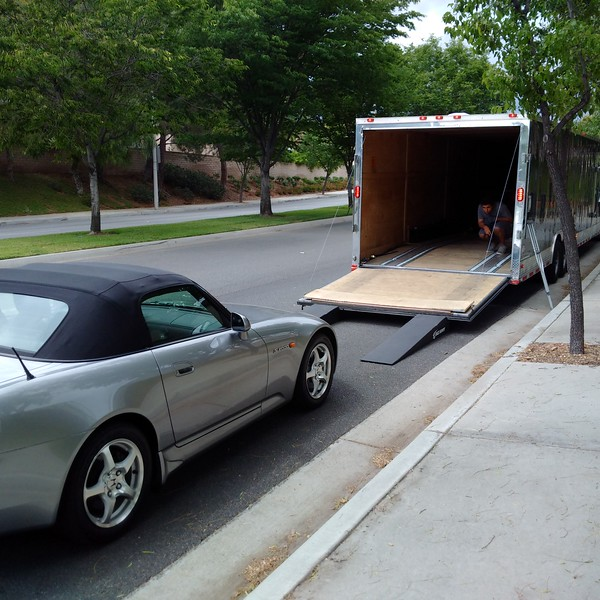 My 2001, AP1 S2000 being loaded for transport in Woodland Hills, CA.