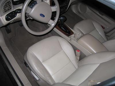 Rear struts and interior
