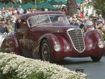1932 Alfa Romeo 8C 2300 Viotti Coupe. 1st European 1925-39 Closed.  Arturo and Deborah Keller.