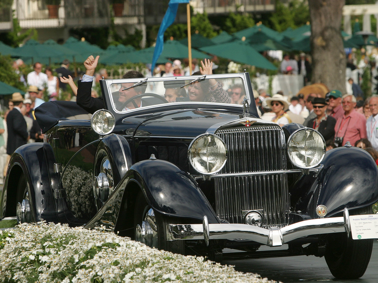 1935 Hispano-Suiza J12 Van Vooren Cabriolet.  Most Elegant Convertible Trophy.   Peter and Merle Mullin.