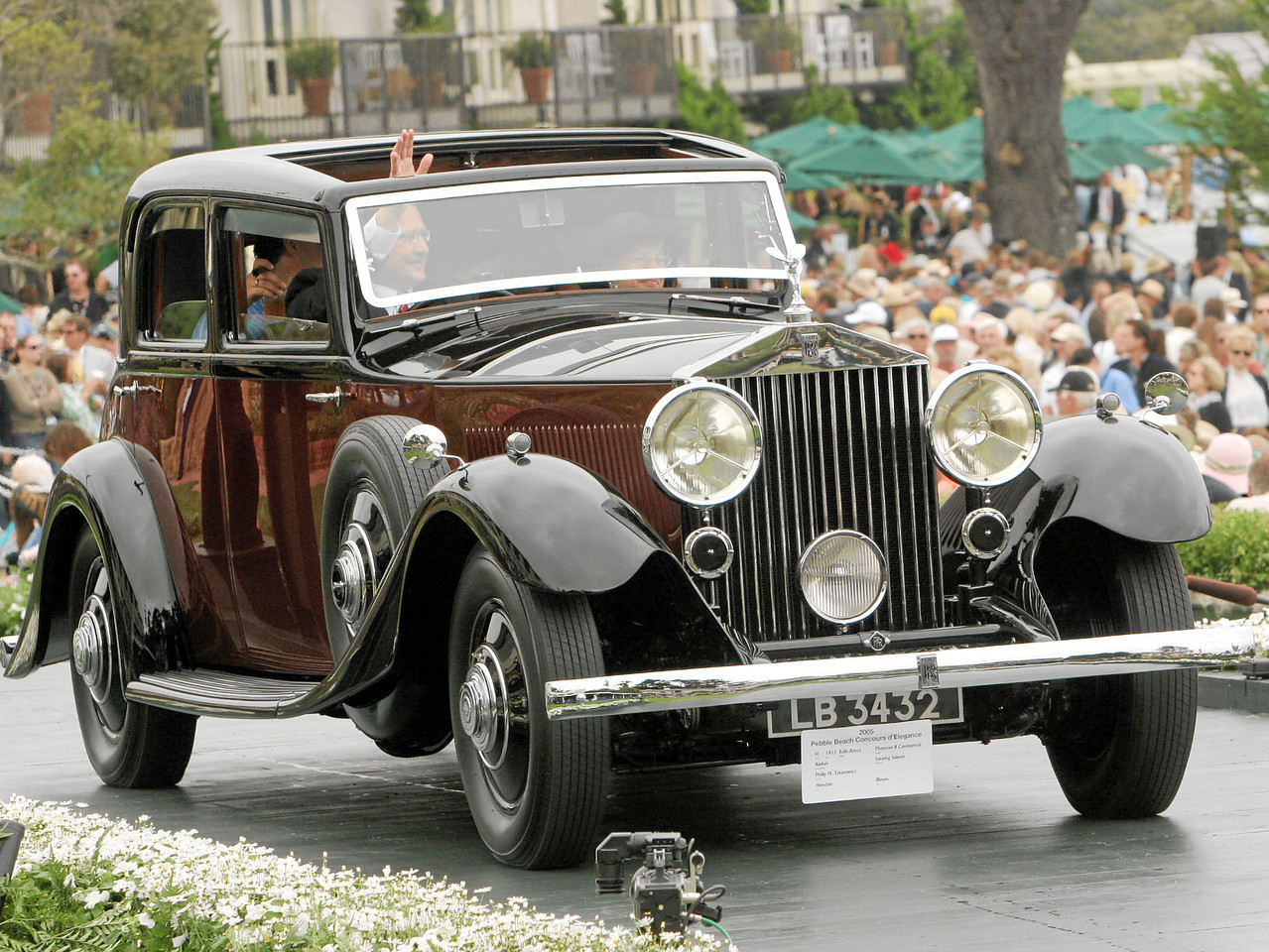 1933 Rolls-Royce Phantom II Continental Barker Touring Saloon owned by Philip M. Tatarowicz from Hinsdale, Illinois 3rd Class H (Rolls-Royce Prewar)