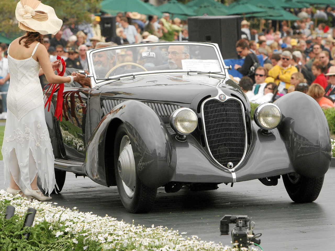 1937 Alfa Romeo 8C 2900B Pinin Farina Cabriolet owned by Lawrence Auriana from Stamford, Connecticut 2nd Class E-5 (Alfa Romeo 8C 2900)