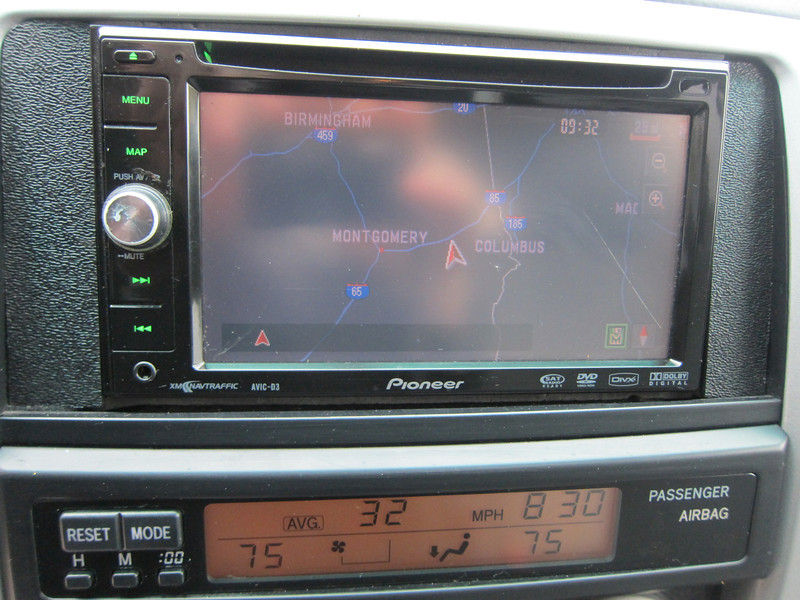 DVD/Navigation/Radio with JBL premium sound system