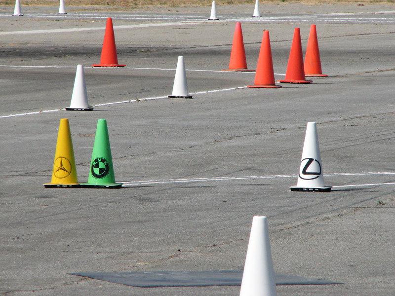2006 09 23 Sat - Antisocial Lexus cone