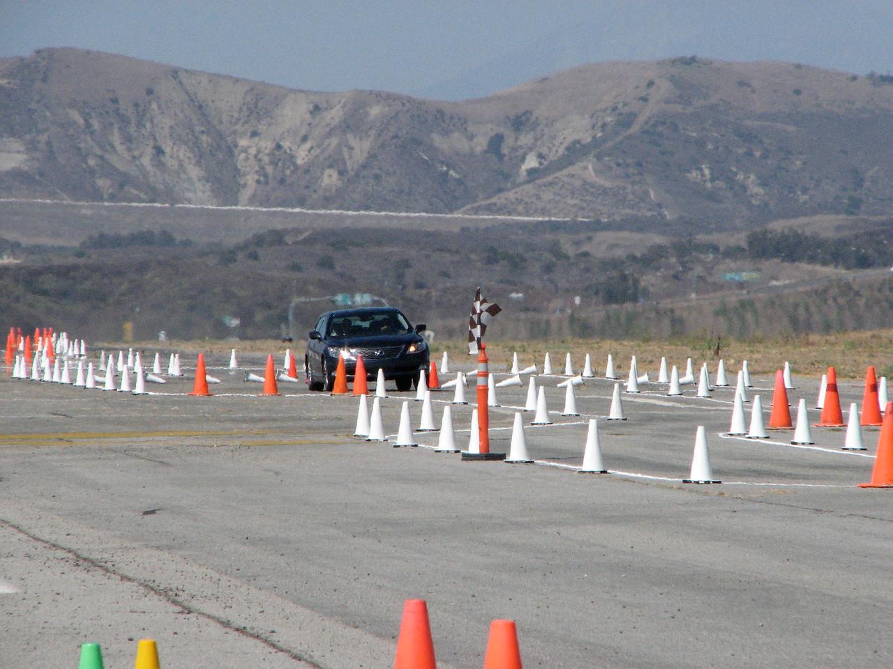 2006 09 23 Sat - Lexus LS460 through the slalom