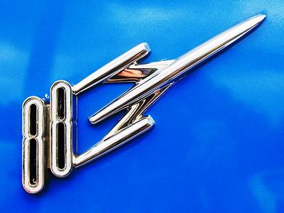 Oldsmobile 88  Sigma 18-50mm f/2.8 EX DC