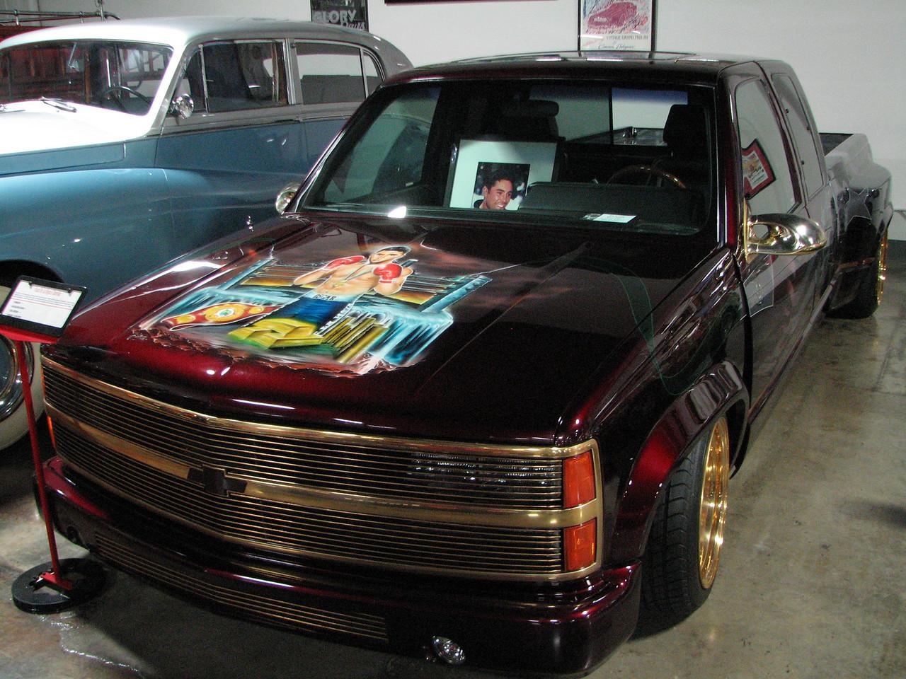 2008 06 10 Tue - Oscar De La Hoya's Chevy truck